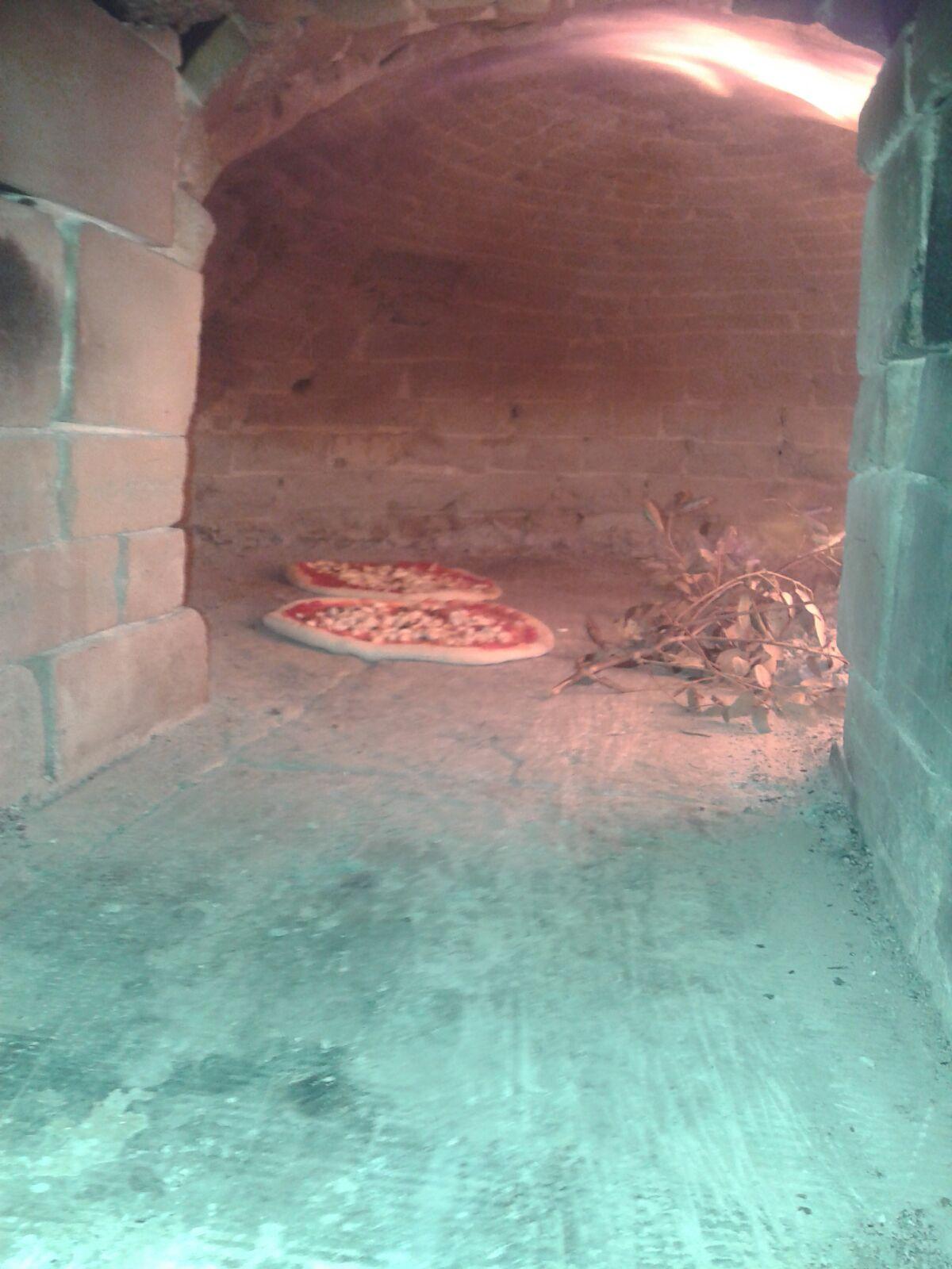 Masseria Murgia Albanese - forno a legna Pizze